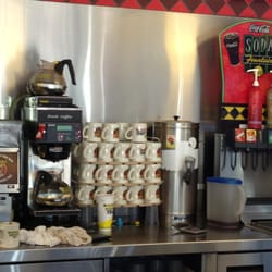 Waffle house american traditional 6184 hwy 21 for Waffle house classic jukebox favorites
