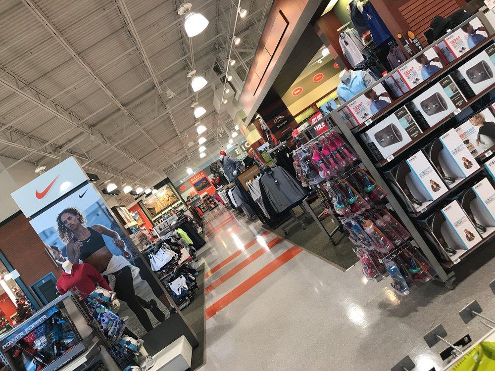 DICK'S Sporting Goods: 1200 S Ironton St, Aurora, CO