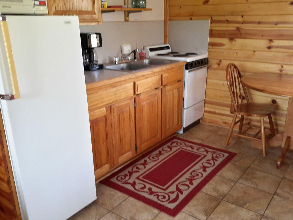 Parkers Hideaway: 736 County Rd 214, Eureka Springs, AR