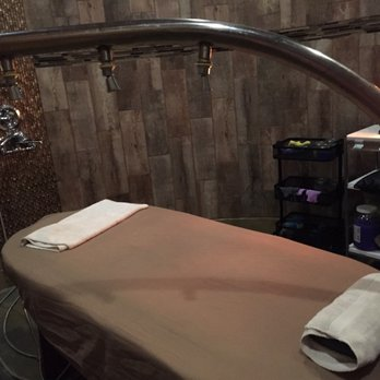 Venus Spa - CLOSED - 35 Photos & 85 Reviews - Massage - 21224 Beach