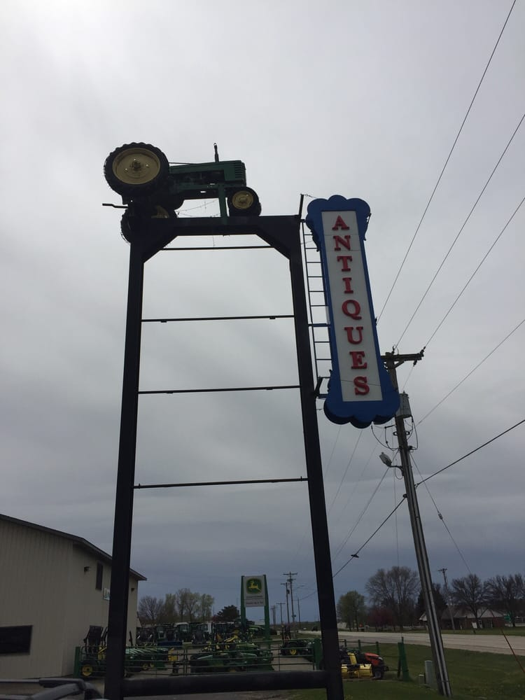 Country Side Antique Mall: 1161 4th St S, Cannon Falls, MN
