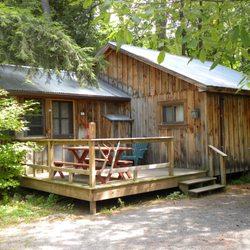 Lake Vanare Cabins - 17 Photos - Hotels - 1331 Lake Ave