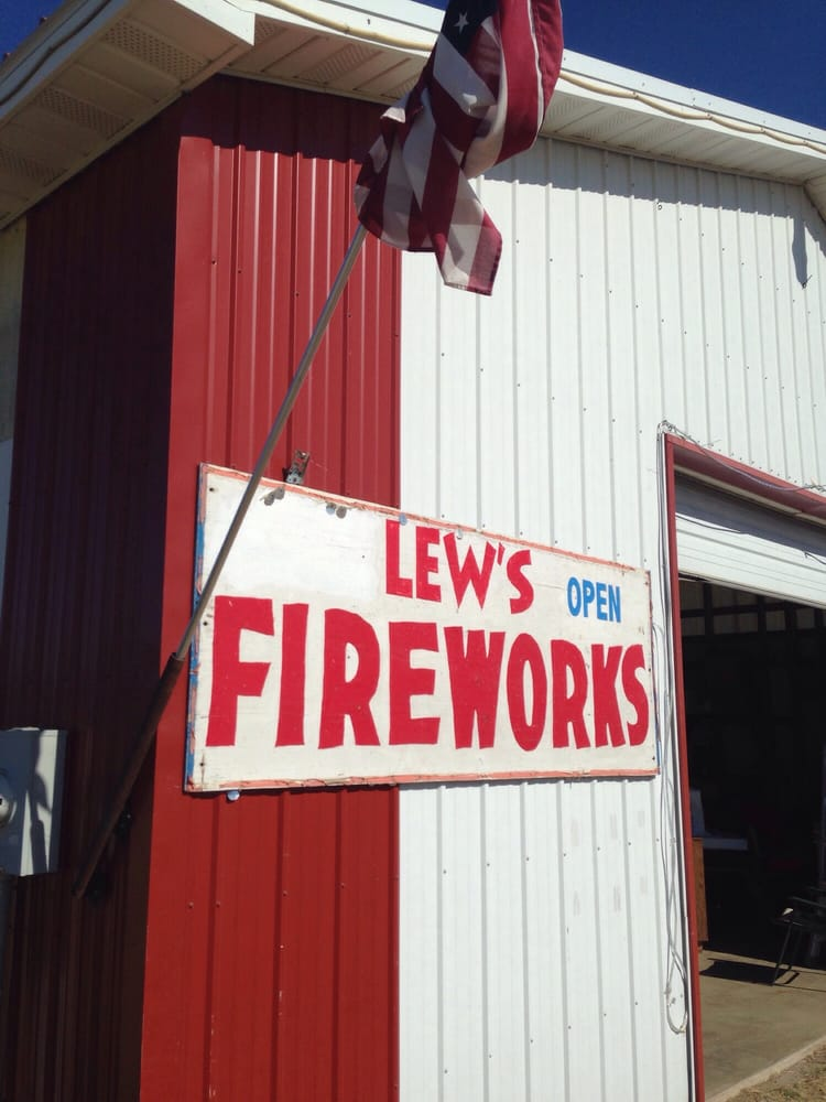 Lew's Fireworks: 45788 US Hwy 212, Watertown, SD
