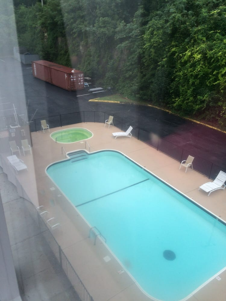 Green hot tub and the pool wasn\'t very clean. - Yelp