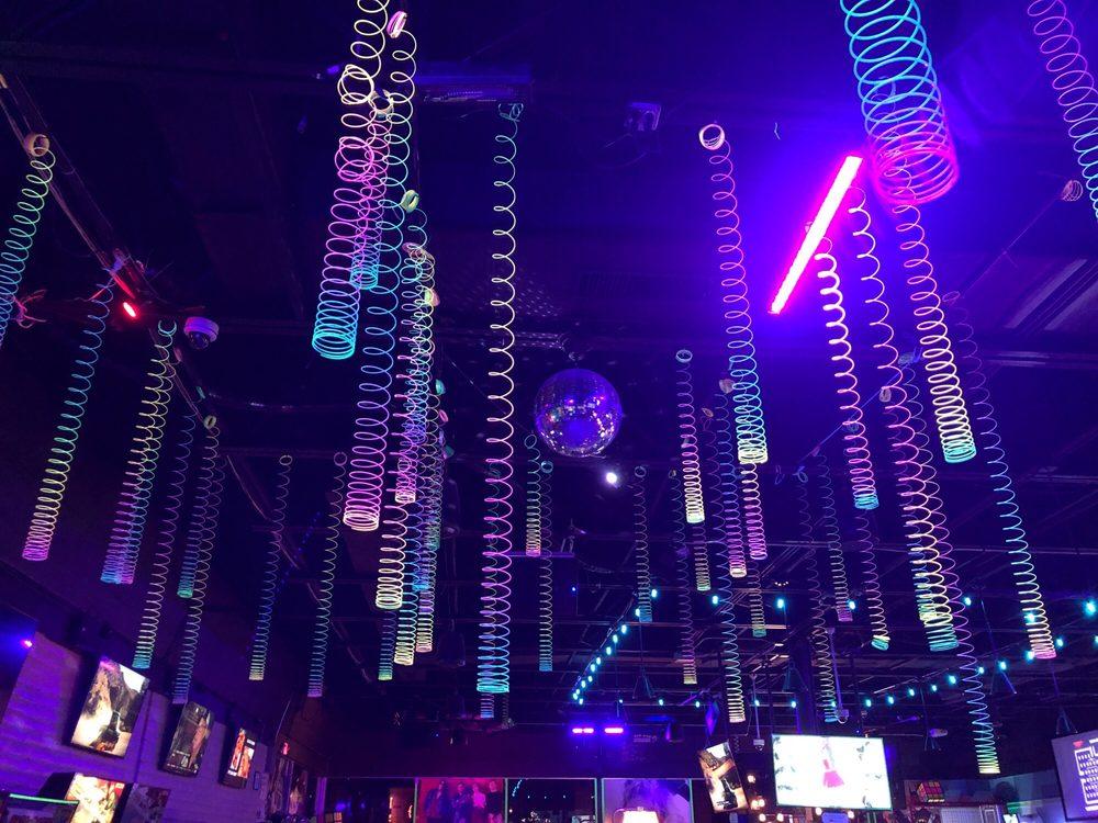 Rubiks Arcade Bar: 4025 N Mesa St, El Paso, TX