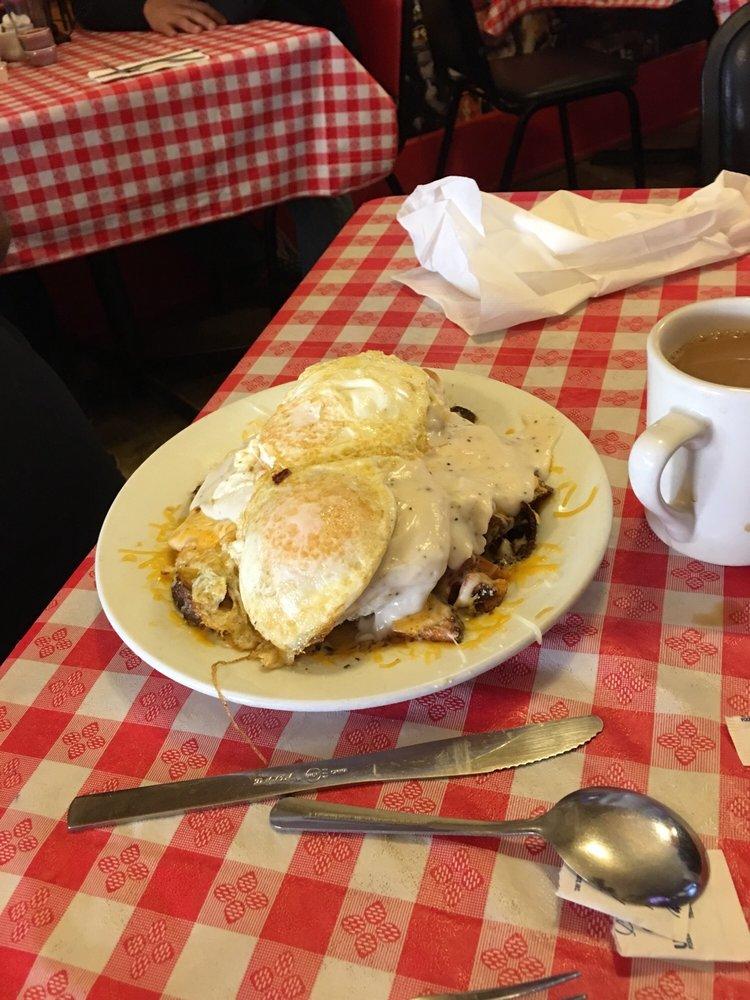 River Rock Cafe: 614 E Midland St, Bay City, MI