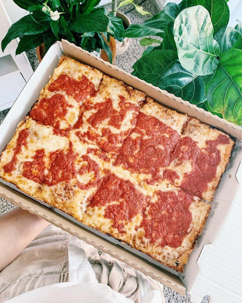 Buddy's Pizza: 5924 W Saginaw Hwy, Lansing, MI