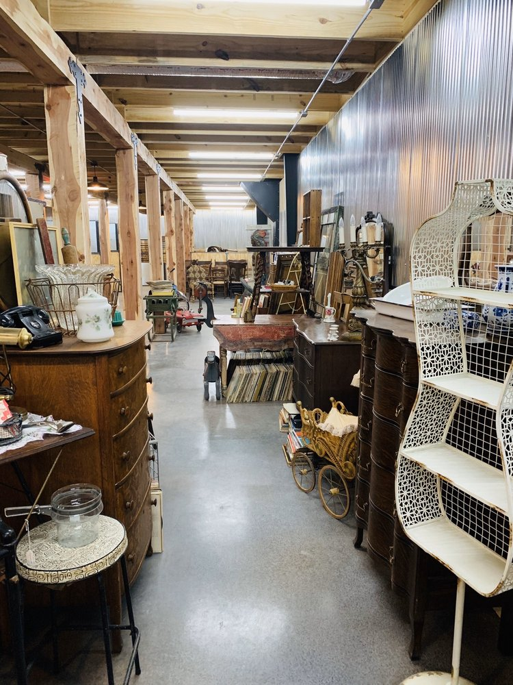 Vintage Home Market: 6988 Hwy 62, Gassville, AR