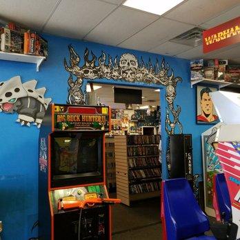 A Gamer S Paradise 99 Photos Amp 78 Reviews Electronics