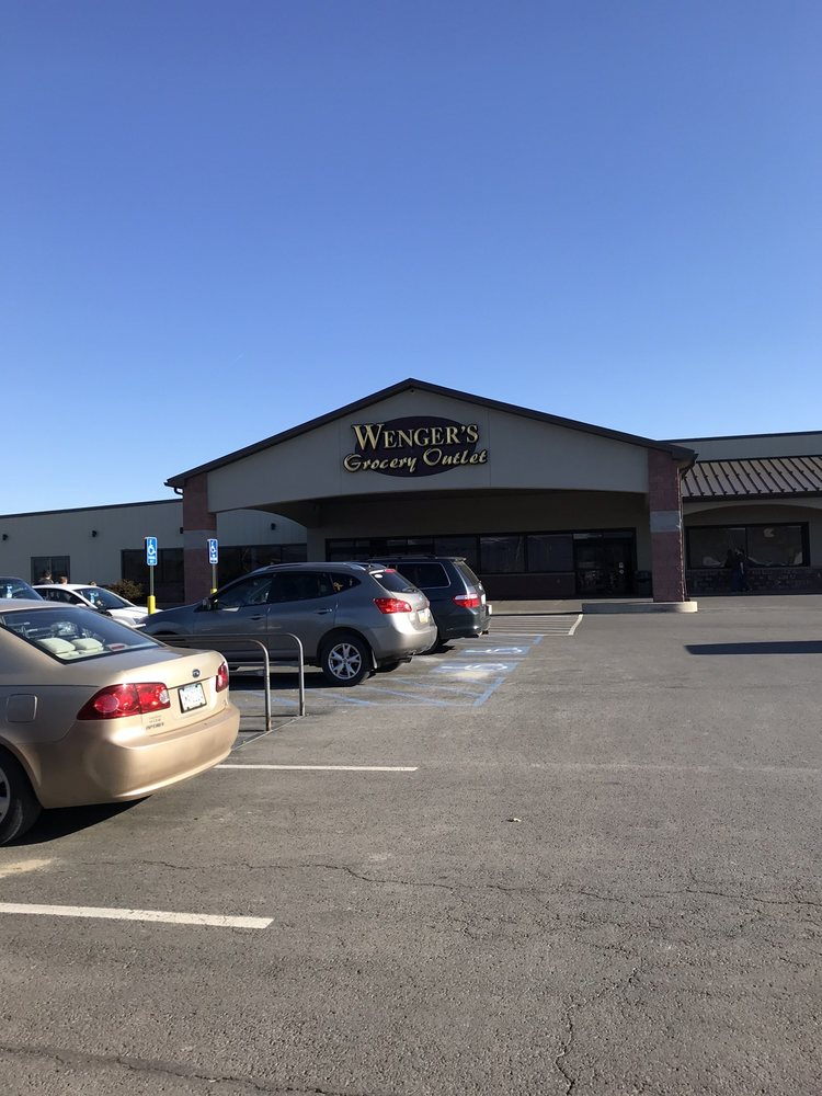 Wenger's Grocery Outlet: 311 E Chestnut St, Mifflinburg, PA