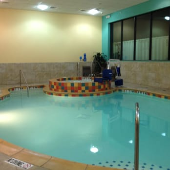 Holiday Inn Express & Suites Fort Worth Downtown - 57 Photos & 46 ...