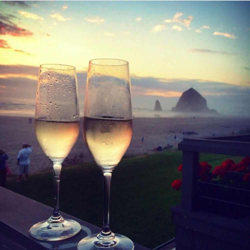 Stephanie Inn Dining Room: Champagne At Sunset With Haystack Rock!