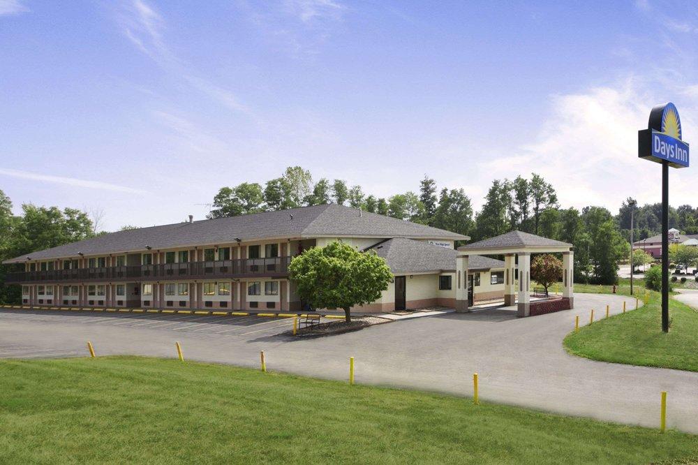 Days Inn by Wyndham Cloverdale Greencastle: 1031 North Main Street, Cloverdale, IN