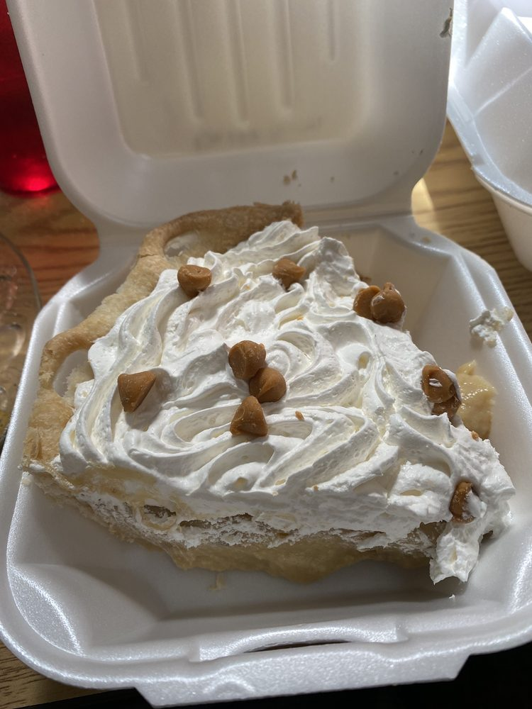 Coffee Cottage: 106 Hwy 2 SW, Rugby, ND