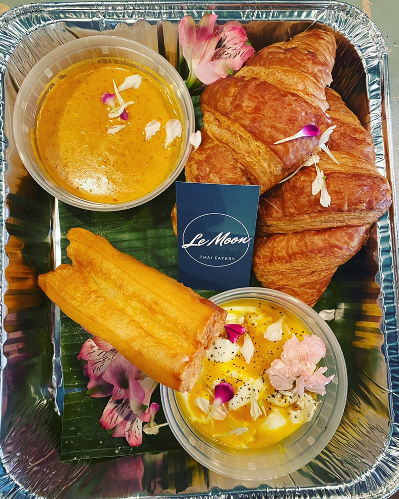 Le Moon Thai Eatery