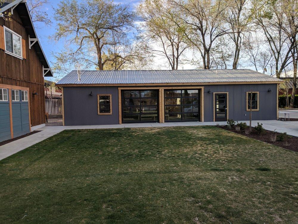 Eastside Guesthouse & Bivy: 777 N Main St, Bishop, CA
