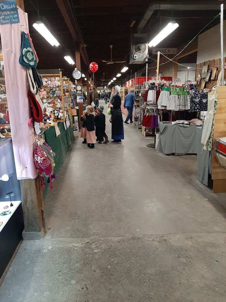 Crossroads Sale & Market: Gratz, PA