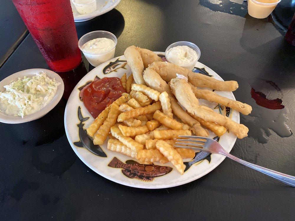 The Port Steak & Seafood: 16000 Hatchineha Rd, Haines City, FL