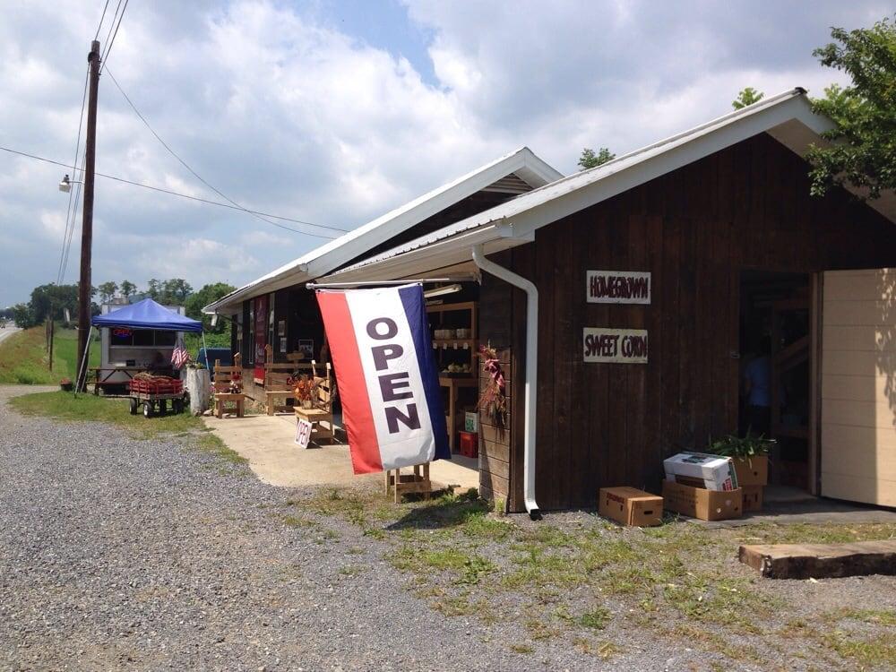 Rispoli's Farm Market: 622 Rispoli Farm Ln, Williamsburg, PA