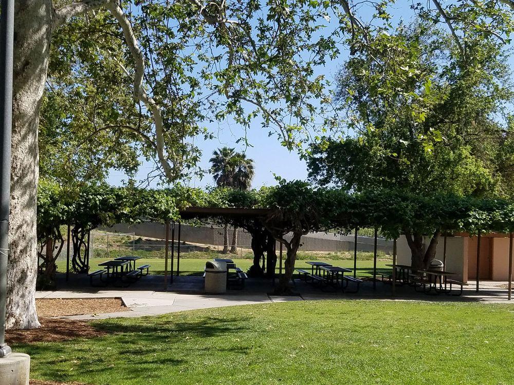 Grape Arbor Park: 5100 Parkville Rd, Calabasas, CA