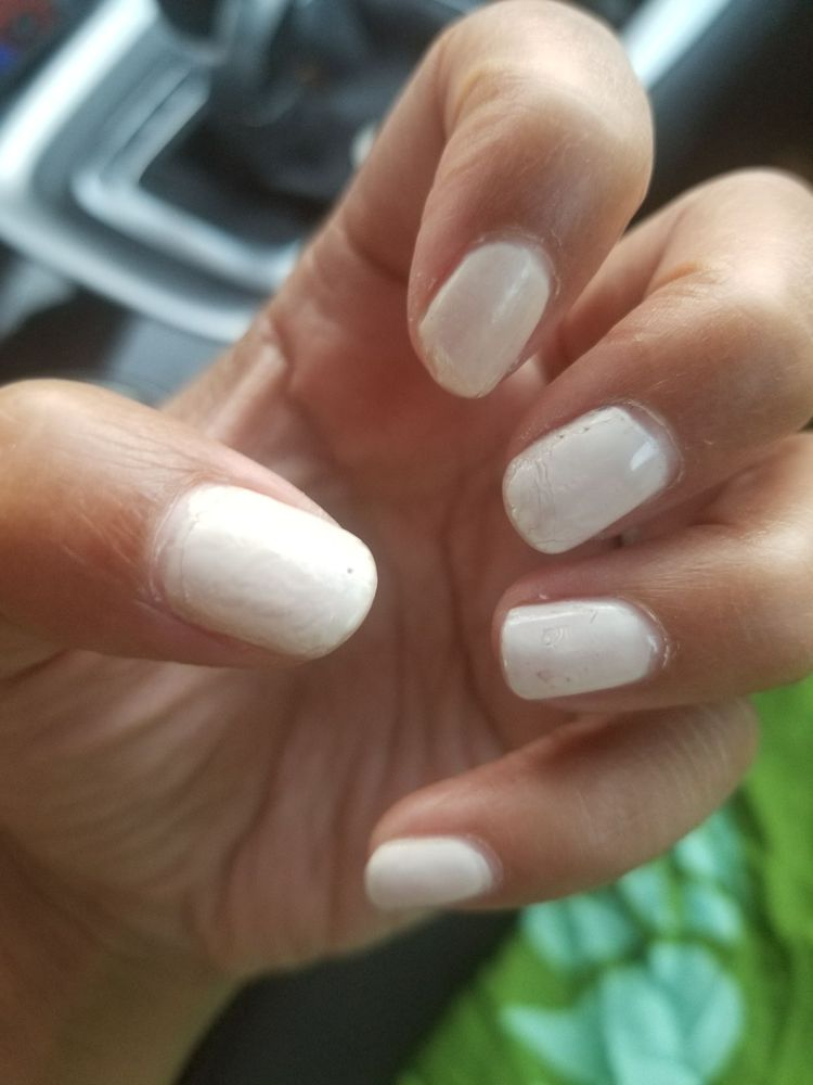 3 days later. Look at this GEL mani. No time on vacation to fix this ...