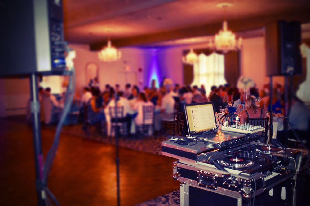 djBigVillage - Delaware's Best Professional Music Entertainment: Wilmington, DE