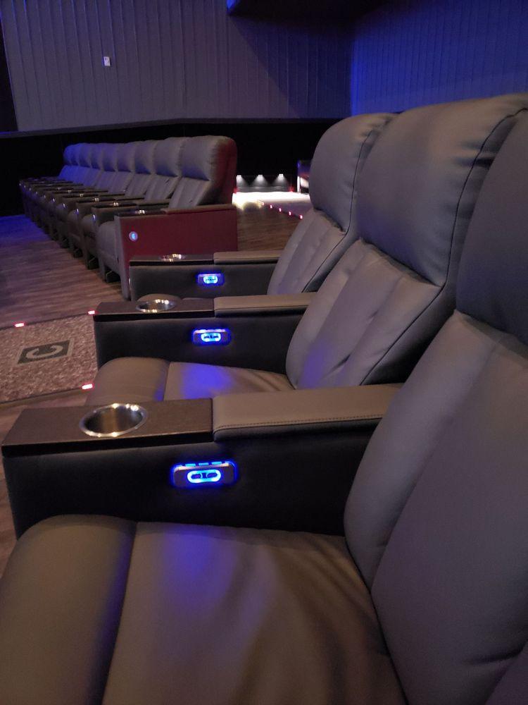 Flagship Cinemas Pottstown: 650 W Schuylkill Rd, Pottstown, PA