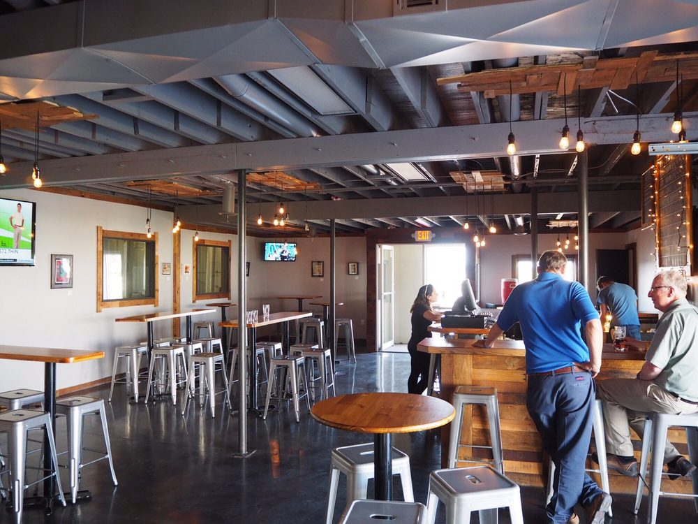 Defiance Brewing Co Taproom: 2050 E Hwy 40, Hays, KS