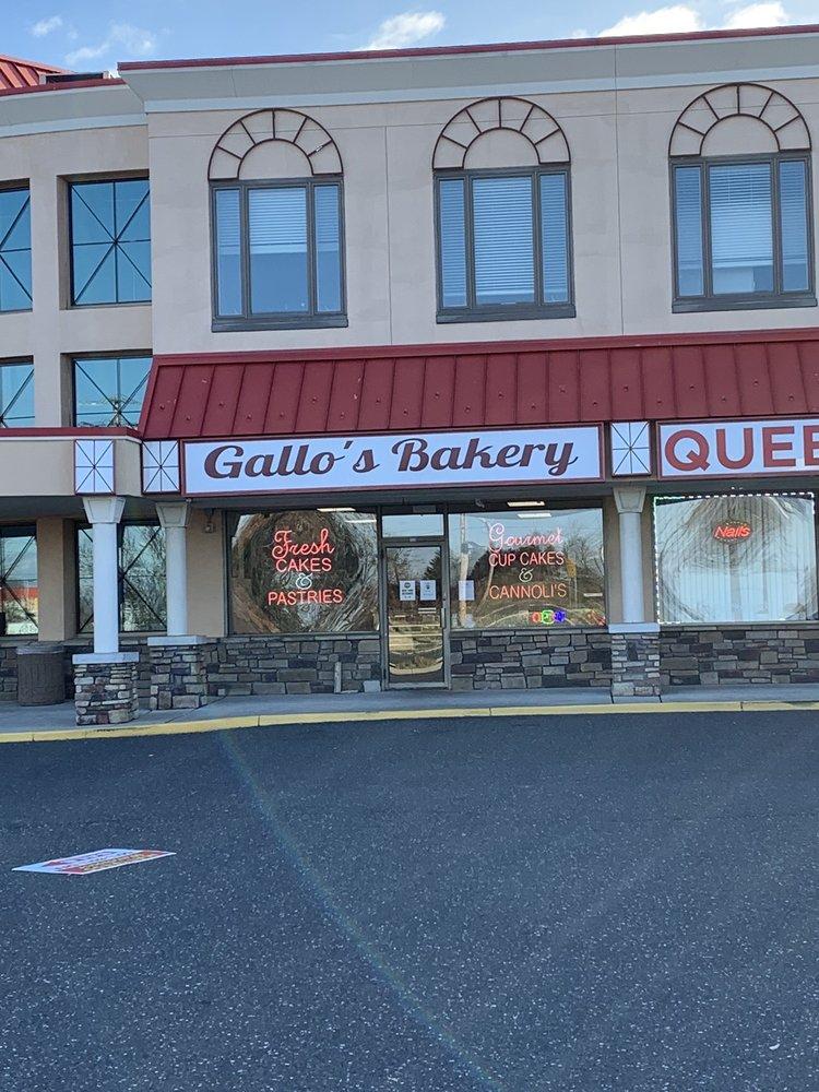 Gallo's Bakery: 36 Rte 70 W, Marlton, NJ