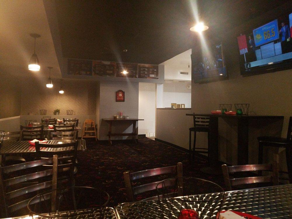 Giuseppe's Italian Pizzeria: 23991 Lake Dr, Crestline, CA