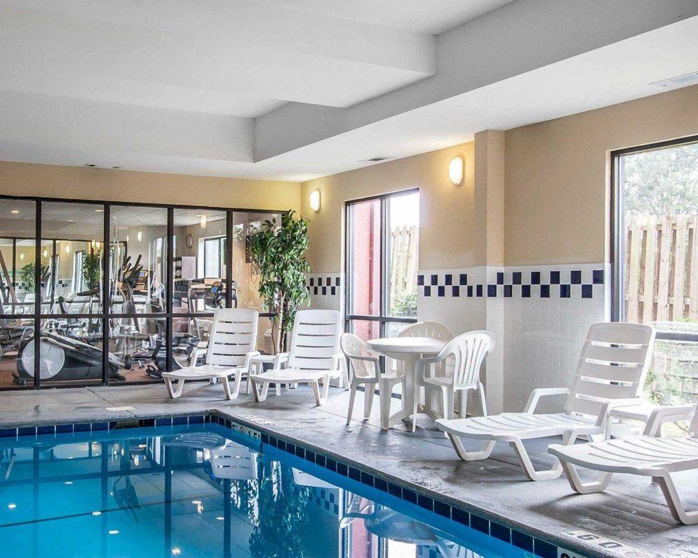 Comfort Suites Tuscaloosa near University: 3916 McFarland Blvd East, Tuscaloosa, AL