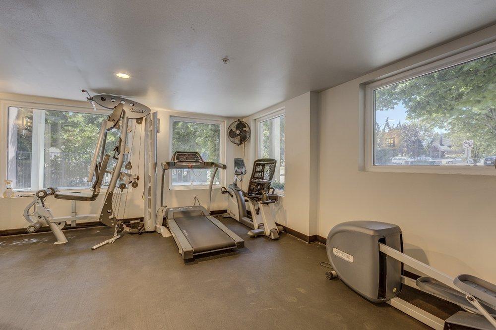 Sir Gallahad Apartments: 11030 Main St, Bellevue, WA