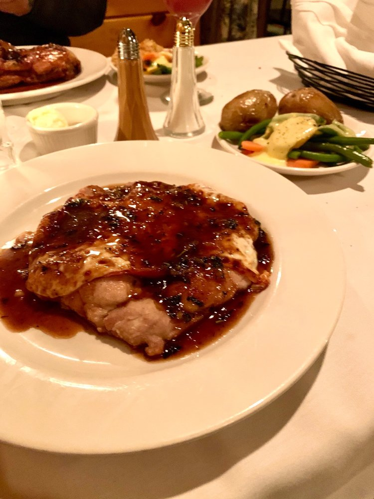 Anthony's Restaurant & Bistro: 538 State Route 3, Plattsburgh, NY