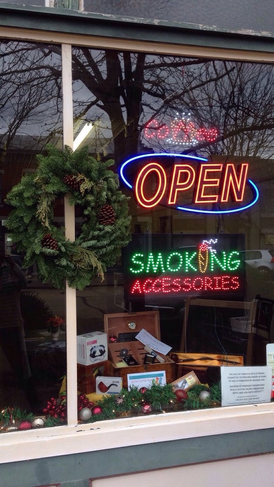 Smoke On the Water Tobacco and Cafe: 211 Main St, Risingsun, IN