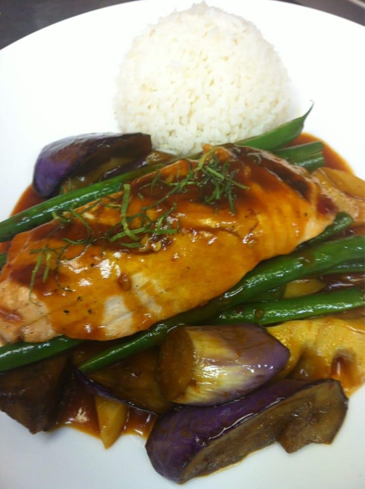 Grilled salmon yelp for Arlington thai cuisine