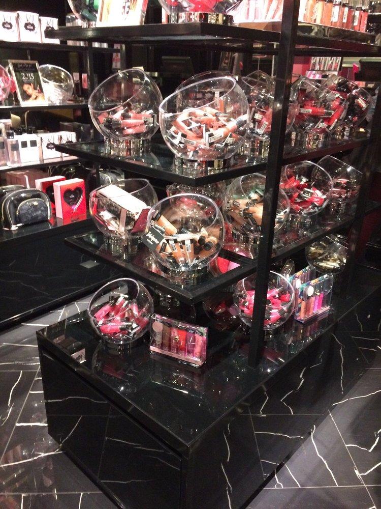Victoria's Secret: 4500 25th Ave NE, Seattle, WA