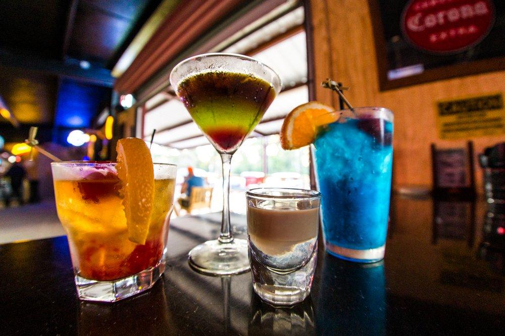 The Whiskey Tango Bar & Grill: 15875 County Rd 304, Navasota, TX