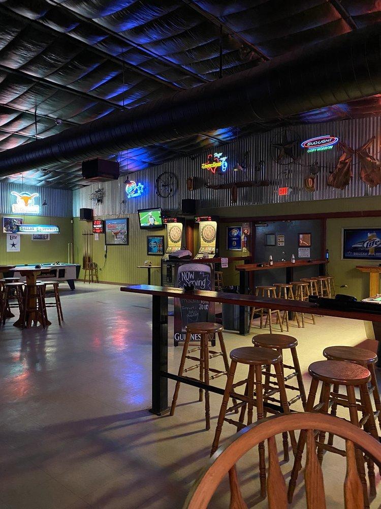 Roper's Dancehall: 528 10th St, Floresville, TX
