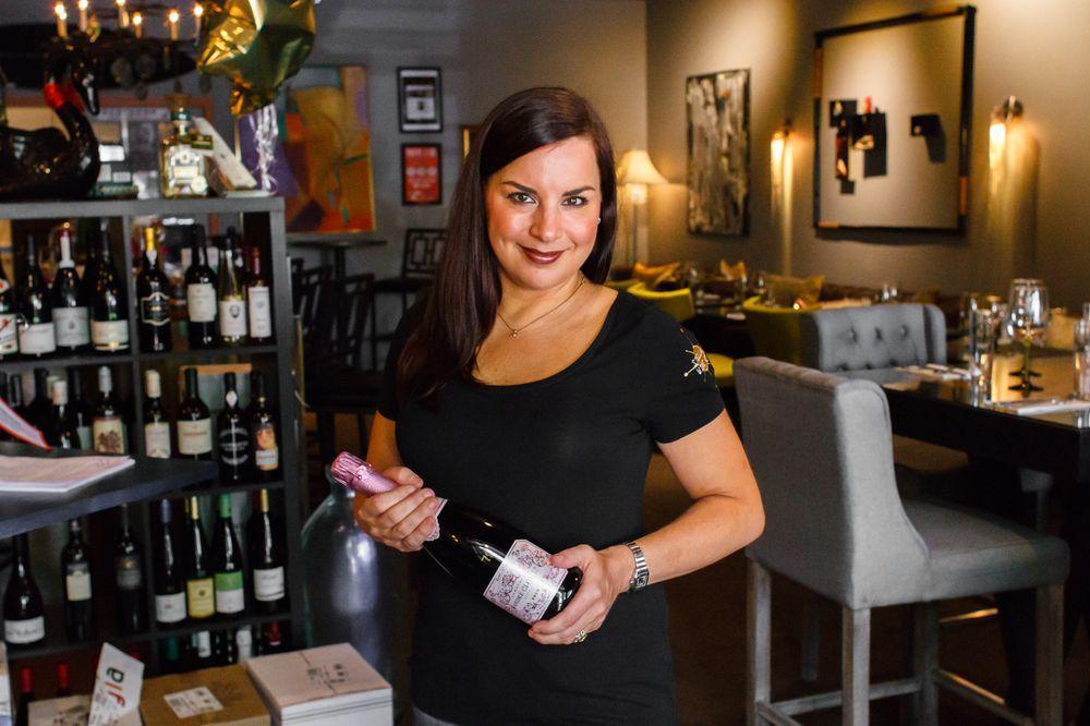 Stellar Wine Co: 425 High St, Portsmouth, VA