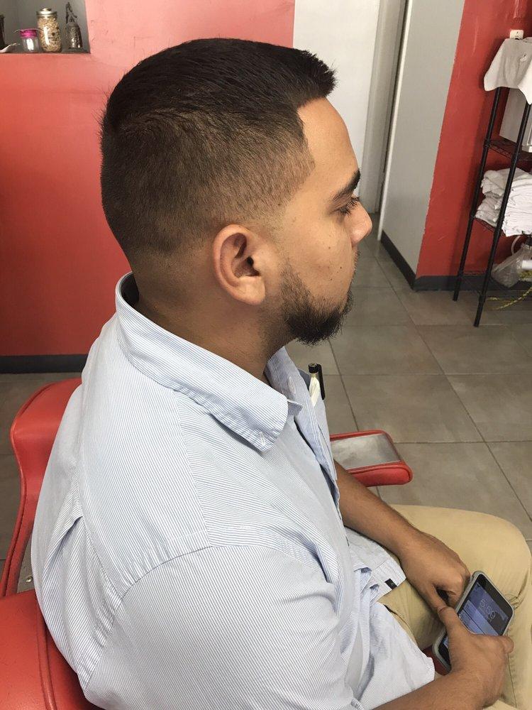 Barber Stop: Av. Valentín Fuentes Varela 1507, Ciudad Juárez, CHH