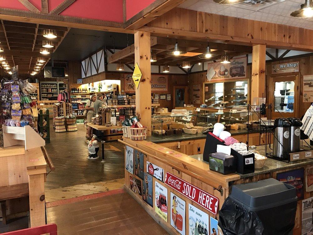 Apple Barn: 604 Rt 7 S, Bennington, VT
