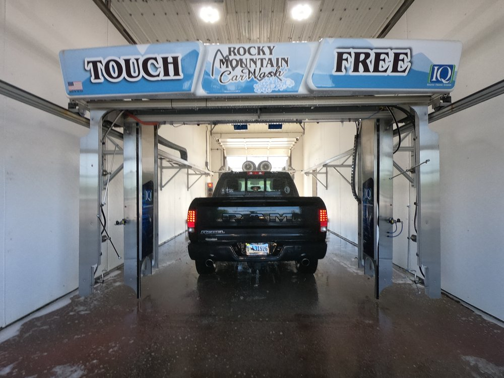 Rocky Mountain Car Wash: 505 N Federal Blvd, Riverton, WY