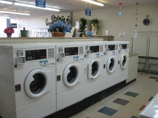 Ton-O-Suds Laundromat: 141 N State Ave, Alpena, MI