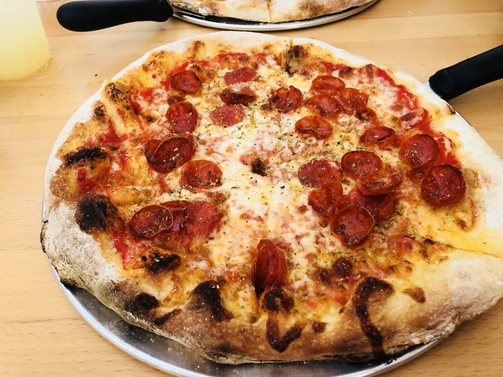 Ava's Pizzeria & Wine Bar: 543 Poplar St, Cambridge, MD