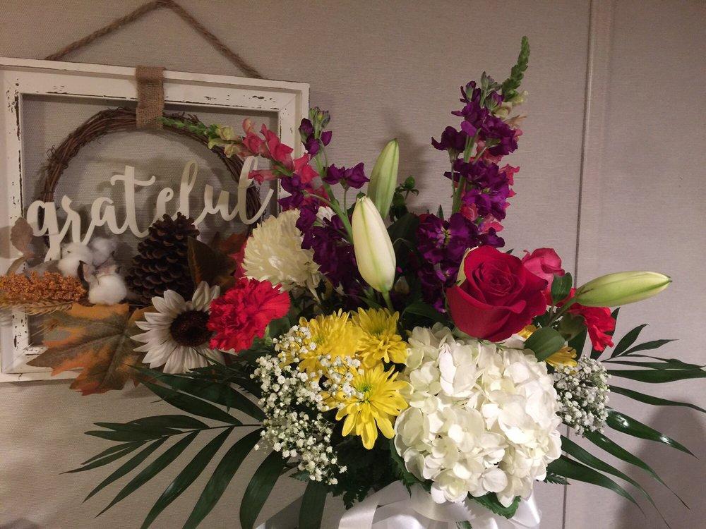 Raindrops and Roses Florist: 85 Howells Rd, Bay Shore, NY