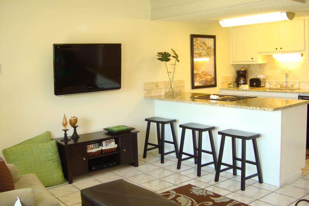 Tropical Hideaway Rentals: 604 Highcrest Dr, Granite Shoals, TX