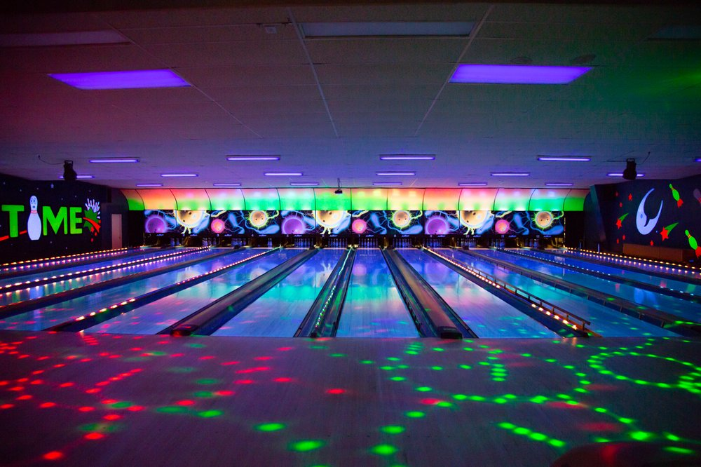 Showtime Lanes Family Fun Center: 1515 N Springfield St, Virden, IL