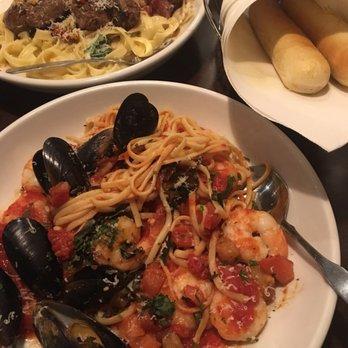 Olive garden italian restaurant order food online 29 photos 59 reviews italian oakley for Olive garden steak gorgonzola alfredo