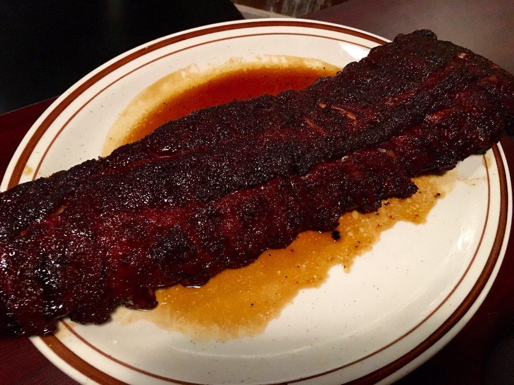 Niel & Shorty's BBQ Company: 646 S Main St, Princeton, IL
