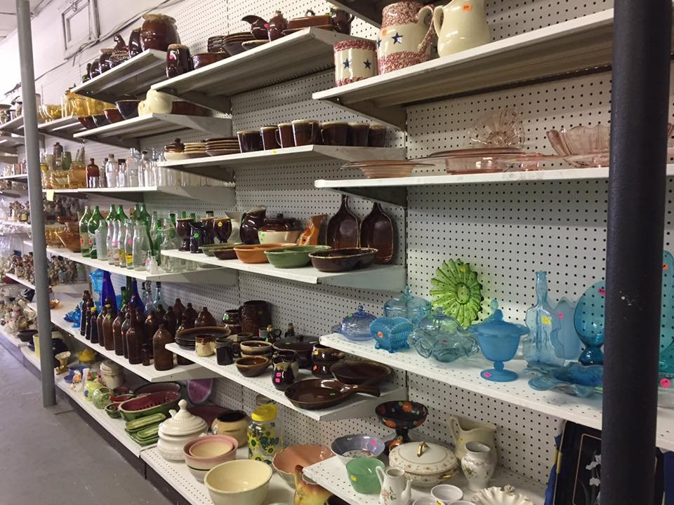 Cleo's Attic: 402 State St, Proctorville, OH